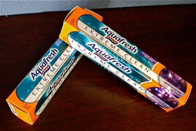 Aquafresh Extreme Clean toothpaste carton